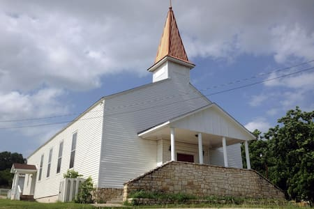 Beautiful Historic Church Building - Bastrop - วิลล่า