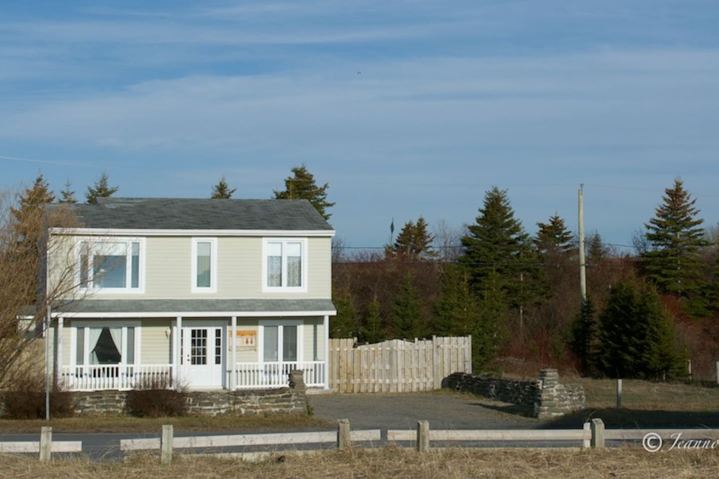 Maison sur la plage haldimand houses for rent in gaspé québec canada