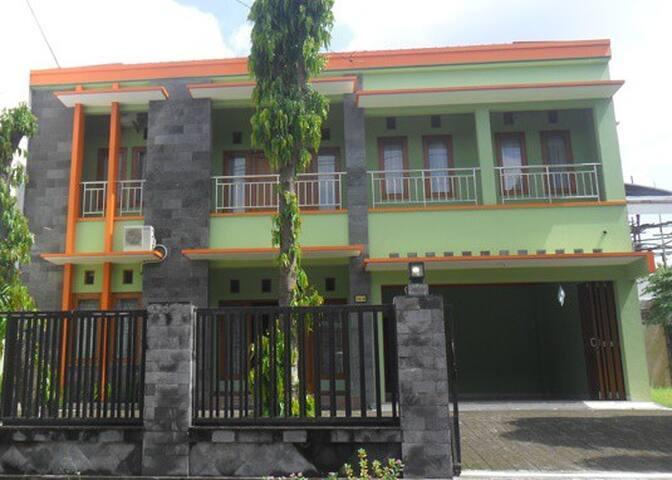 Simply Homy Guest House - Yogyakarta - Casa