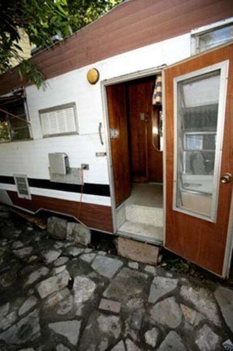 58 cozy cadillac camper wohnwagen zur miete in los angeles kalifornien vereinigte staaten. Black Bedroom Furniture Sets. Home Design Ideas