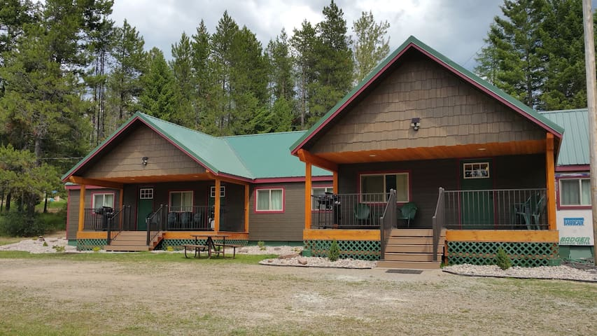 Moose Creek at Lazy Bear Lodging - Hungry Horse - Maison de ville