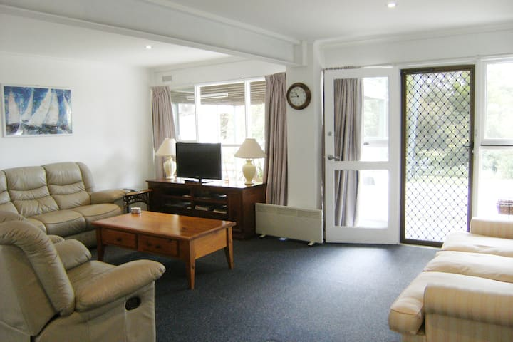 2 B'rm APARTMENT  &  1 B'rm COTTAGE - BUDGET ACCOM - Mount Martha - Pis