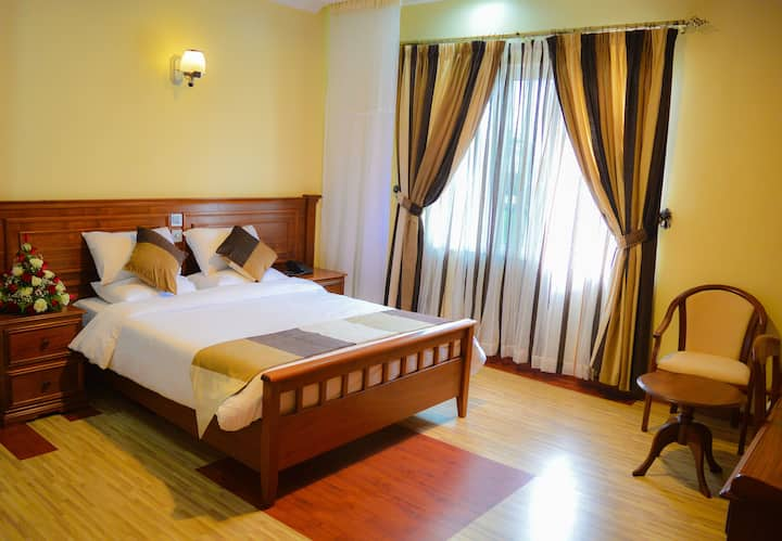 Red Ruby Hotel(Standard Double Room)