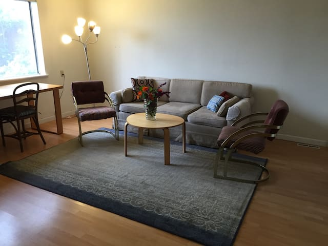 One Bedroom Garden Apartment Apartments For Rent In San