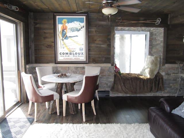 Luxury Mountain Retreat with Lake & Slope Views