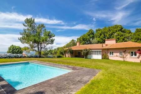 Modern House with great pool. Very private garden! - Moledo