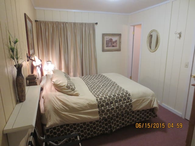 Ute Room,  Valley Haven Lodge