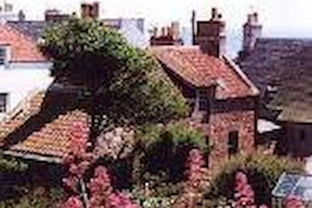 WEST SHORE, ST MONANS - Sleeps 6-PET FRIENDLY - Saint Monans
