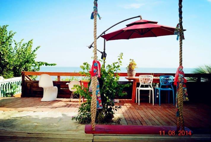 海边小楼,推门见海,有大海,有秋千,有摇椅,有风景有美食…(客栈 - 三亚 - Talo