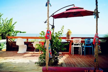 海边小楼,推门见海,有大海,有秋千,有摇椅,有风景有美食…(客栈 - 三亚
