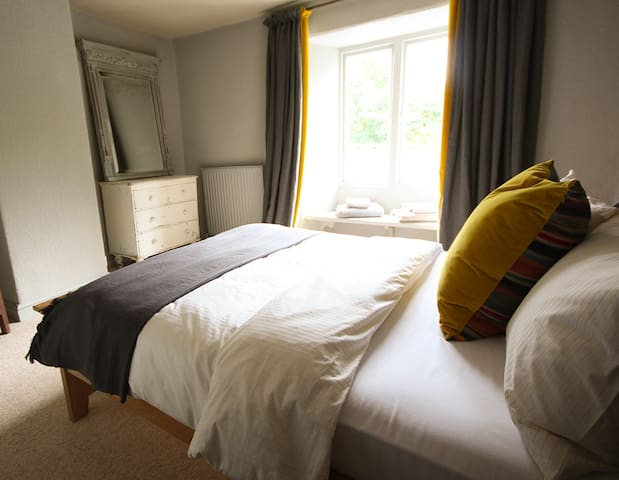 The Culm Valley Inn, dog friendly double no.4 - Culmstock - Inap sarapan