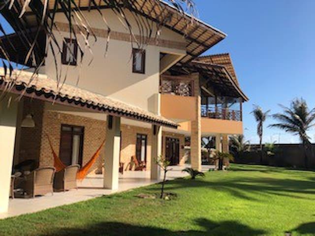 Casa magnifica no paraíso vizinho a Canoa Quebrada