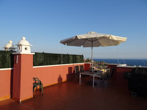Home from Home 2 Bed, 2 Bath Luxury Seaview Villa