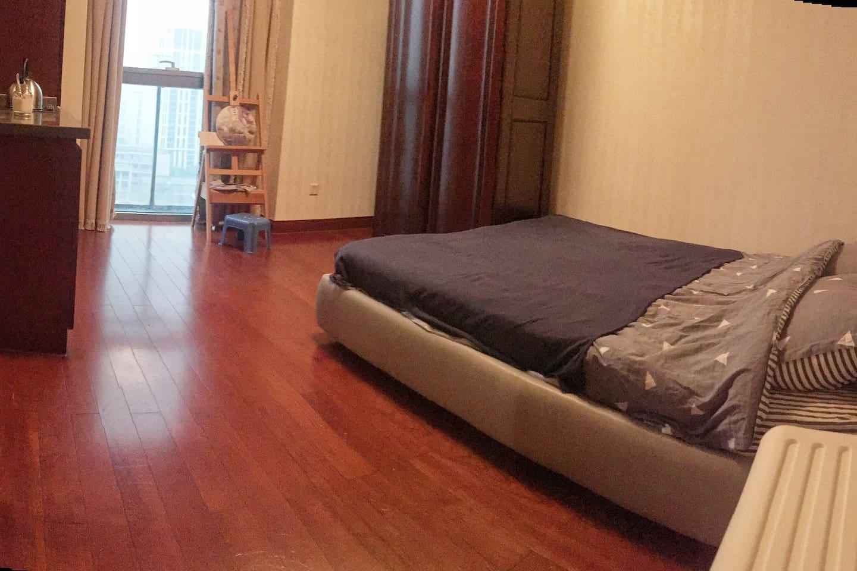 干净温馨的房间