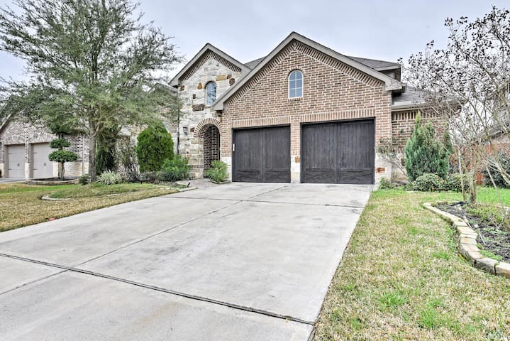 NEW! Luxury Houston Home w/Movie Theater & Patio!