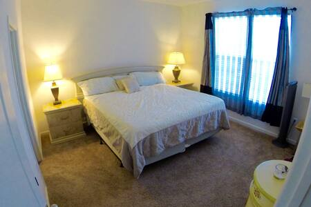 GORGEOUS MASTER BEDROOM SUITE! - Jeffersonville - Casa