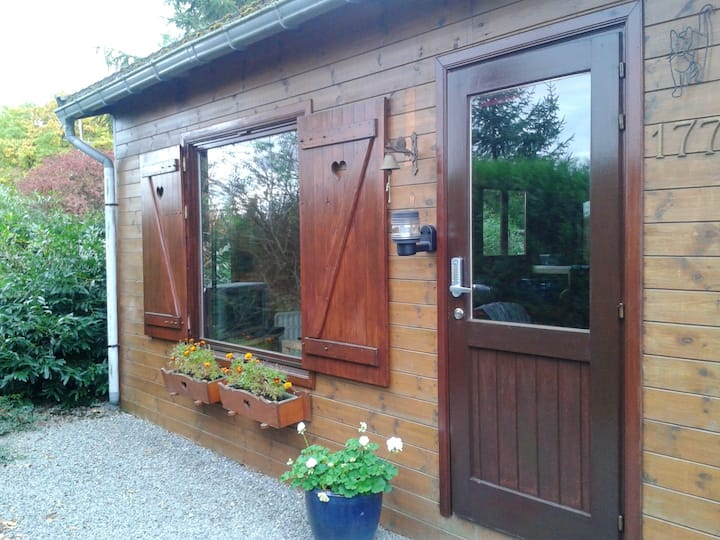 Chalet with 2 bedrooms in Tellin, with wonderful mountain view, enclosed garden and WiFi