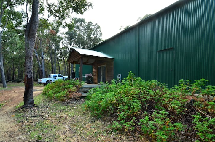 Bea's Green Shed - North Dandalup - Natur-Lodge