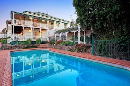 Government Heritage Stately Home - Norman Park - Casa