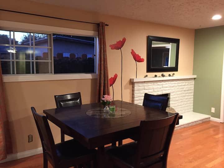 Pomona Claremont Sleek Retreat - 1 Bedroom Option