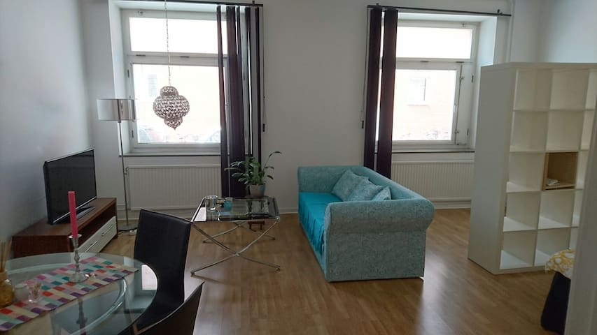 Cozy flat quite near citycenter - Malmö - Wohnung