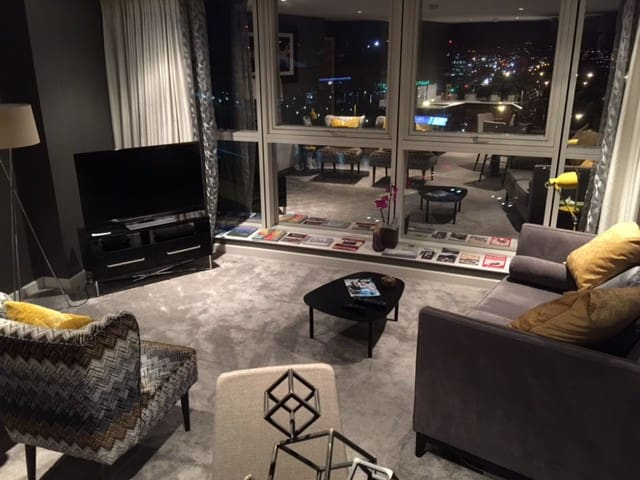 Luxury two Bedroomed City Centre Apartment/Carpark