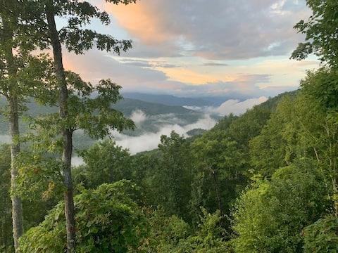 Smoky Mountain Escape - Formerly 7 Arrows