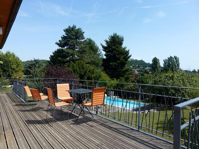 Lyon, zone résidentielle St Didier au Mont d'Or.