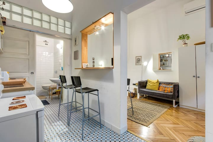 Super cute studio right mid-city Budapest