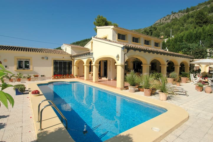 CASA ORBETA - Orba - Bed & Breakfast