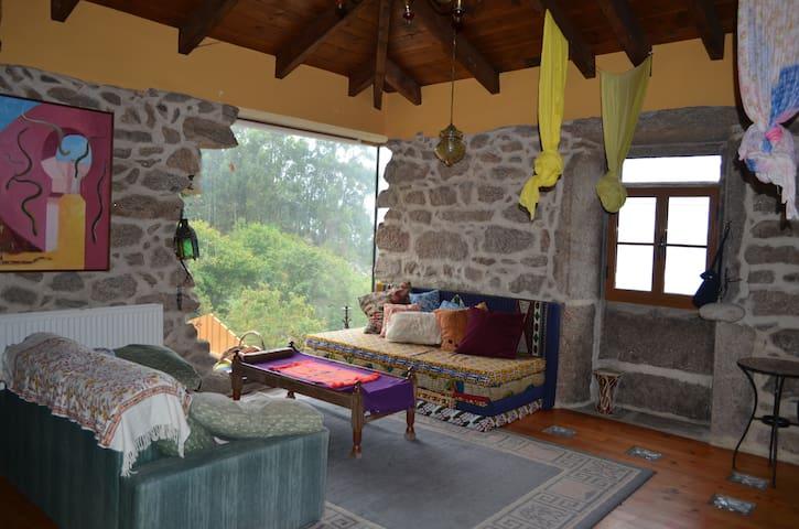 Casa gallega de piedra  restaurada - Baiona