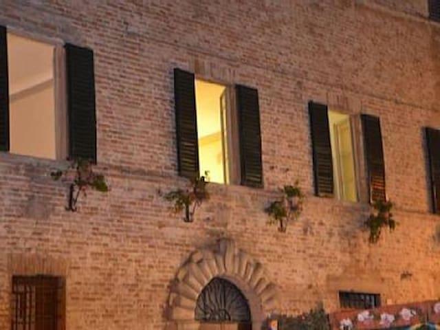 Casa entro le mura della Rocca - Mondavio - Huoneisto