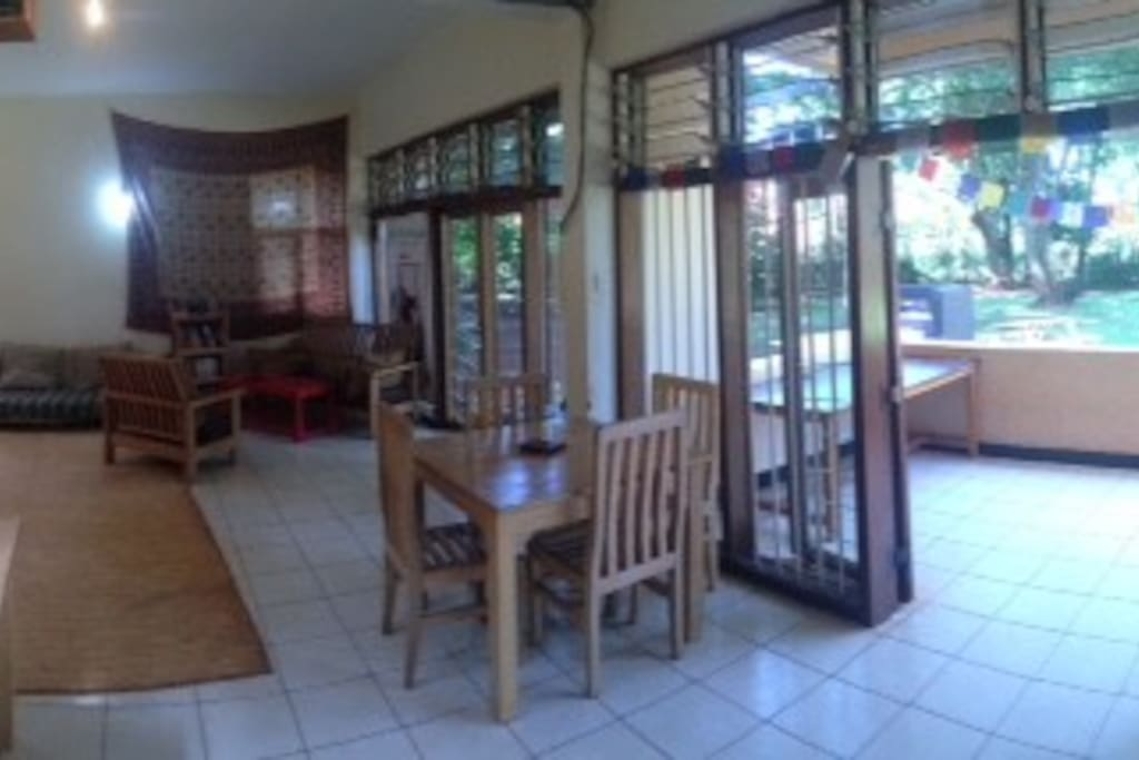 The lounge / dining area...