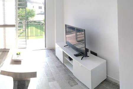 Apartment renovated with pool near the town center - Fuengirola - Wohnung