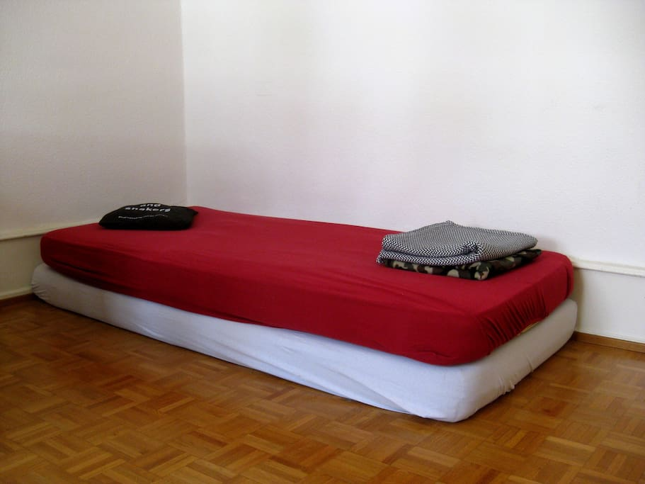 The bed aka. 2 simple yet comfy mattresses.