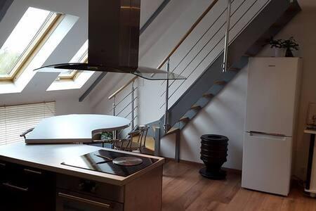 Appartement lumineux idéalement situé - Apartment
