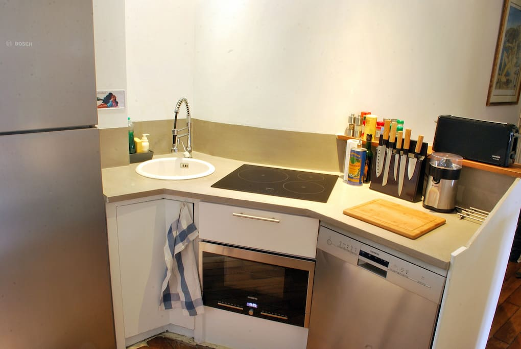 Kitchen - fully furnished to host 4 people + microwave & dishwasher to fully enjoy holidays!