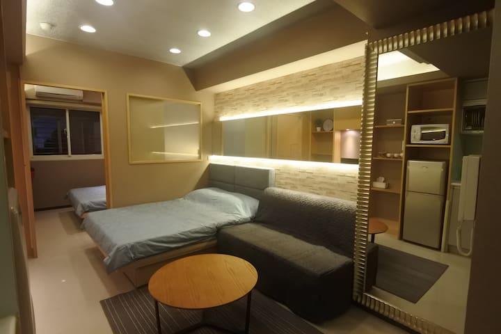 1 Min to Ximen MRT Station 1P~6P Luxury Room