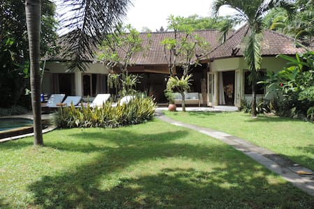 Villa spacieuse à 300m de la plage
