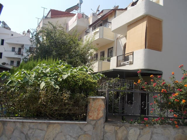 Duplex Garden House mins to beach Marmaris Siteler