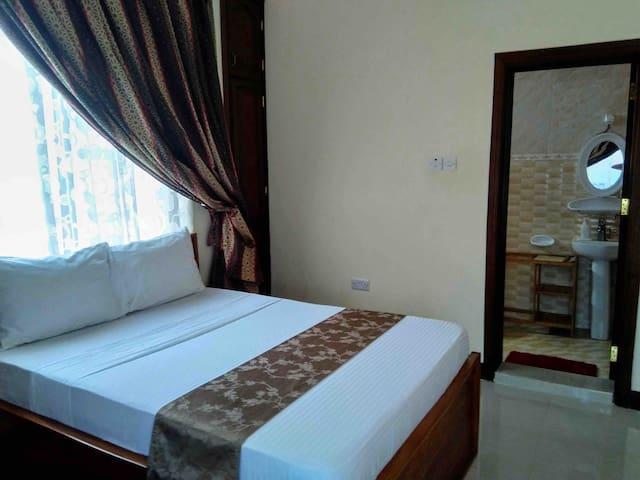 New room in a trendy part of Zanzibar Town (1/5)