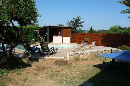 Villa avec piscine Aix-en-Provence - Châteauneuf-le-Rouge - Talo