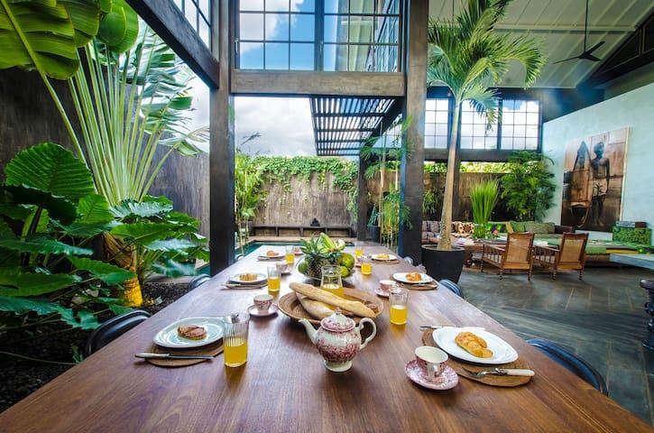 Luxury Warehouse Canggu Bali - Canggu - House