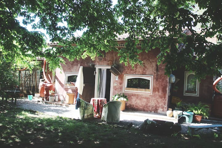 Country cottage with big garden - Nobile-monguzzo - Дом
