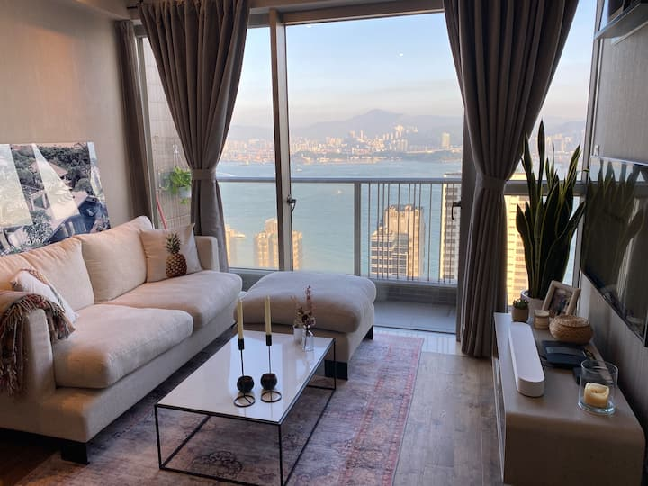 Modern flat with amazing view in the heart of HK