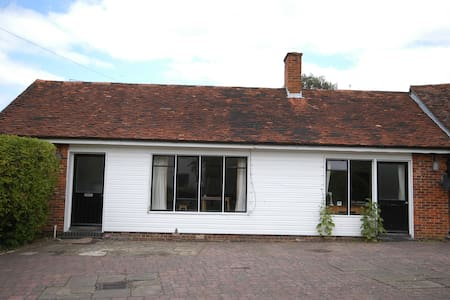 one bedroom cottage - Guildford - Annat