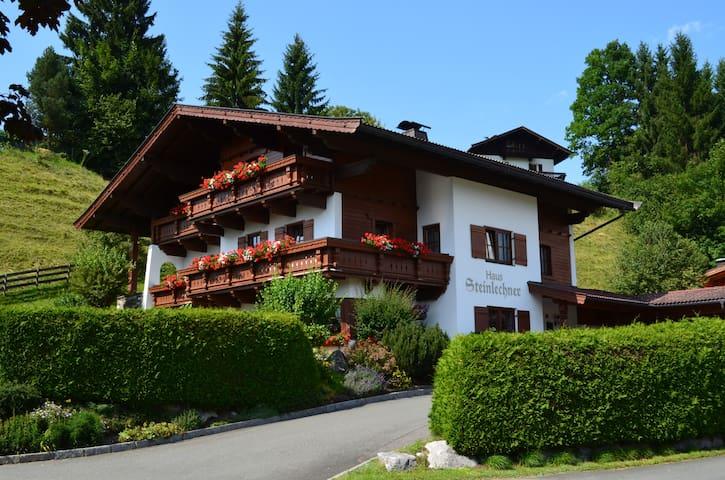 Haus Steinlechner - Kössen - Bed & Breakfast