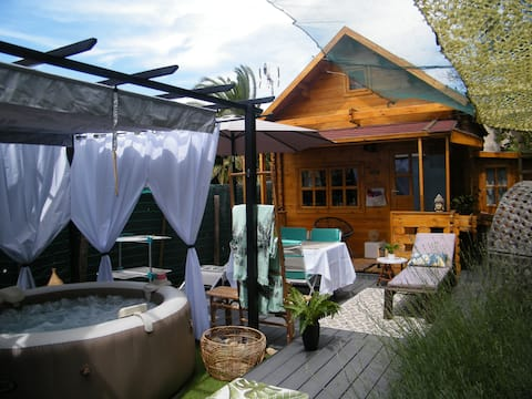 Arles chalet with jacuzzi 8min walk from the center