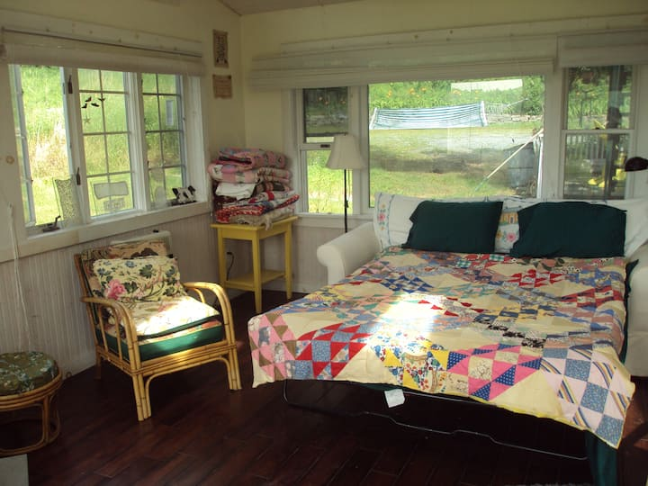 Splendid Sunroom in Artist's Reconverted Barn