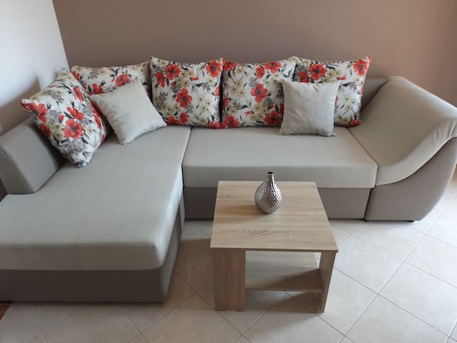 Nice Apartment for 4- great price!! - Makarska